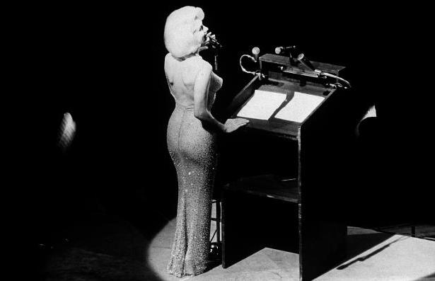 marilyn-monroe-singing-happy-birthday-mr-president-to-john-f-kennedy-may-19-1962__868700_