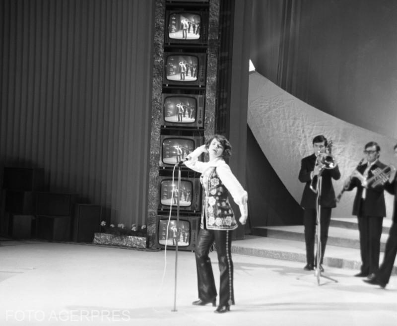 Cantareata Margareta Paslaru, la Festivalul 'Cerbul de Aur' de la Brasov 1969