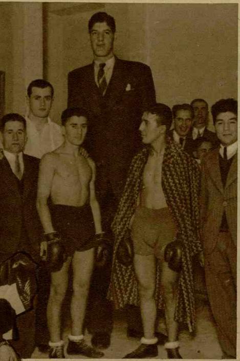 """Foto: Revista """"Realitatea ilustrată"""", nr. 412, 12 decembrie 1934"""