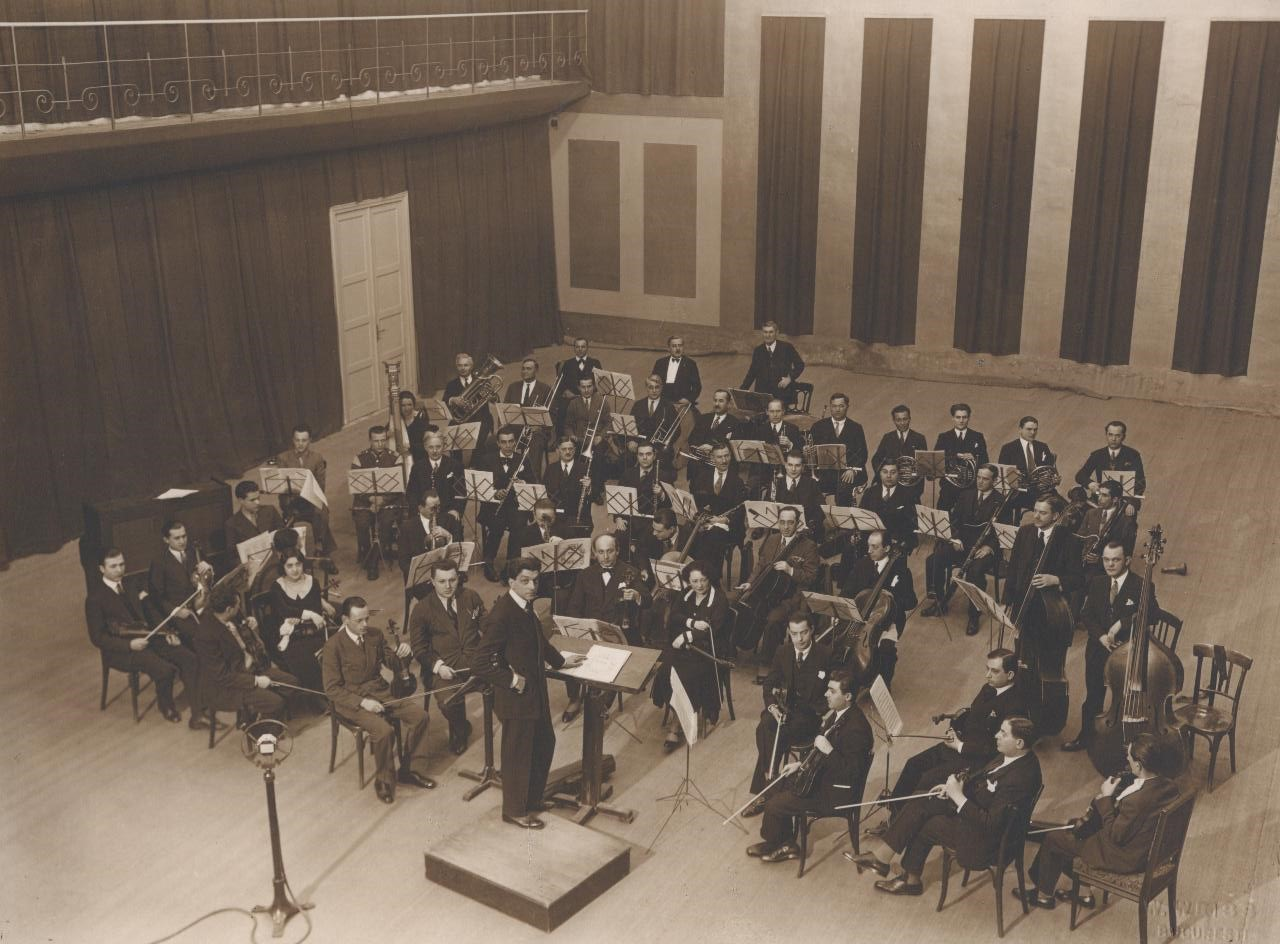 http://www.rador.ro/wp-content/uploads/2020/12/orchestra.jpg